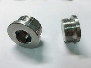 nerūsējošā tērauda gredzenveida skrūve ar ss atslēgas gredzenu